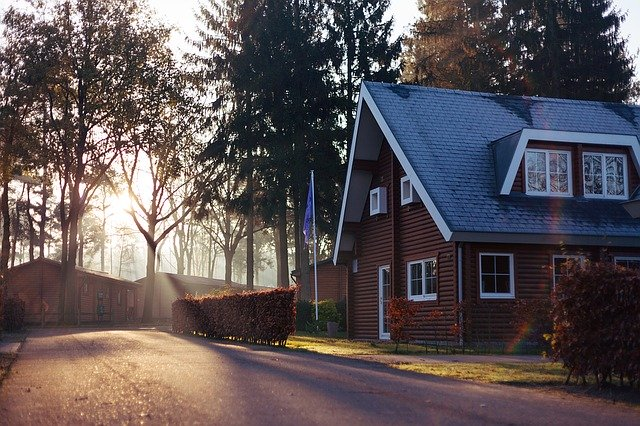 How does mortgage life insurance work?